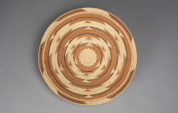 Klamath%20artist%2C%20%3Cb%3E%3Ci%3E%20Basketry%20Tray%3C%2Fi%3E%3C%2Fb%3E%2C%20ca.%201900%2C%20hazel%2C%20conifer%20root%2C%20woodwardia%20fern%2C%20and%20maidenhair%20fern%2C%20Museum%20Purchase%3A%20Helen%20Thurston%20Ayer%20Fund%2C%20no%20known%20copyright%20restrictions%2C%2040.35.13