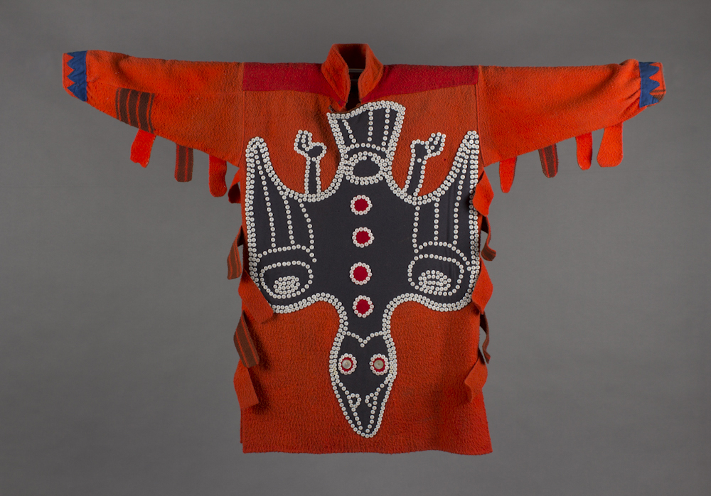 Tlingit%20artist%2C%20%3Cb%3E%3Ci%3E%20Button%20shirt%3C%2Fi%3E%3C%2Fb%3E%2C%20ca.%201880%2C%20wool%2C%20cotton%20cloth%2C%20and%20glass%20buttons%2C%20Museum%20Purchase%3A%20Indian%20Collection%20Subscription%20Fund%2C%20Rasmussen%20Collection%20of%20Northwest%20Coast%20Indian%20Art%2C%20no%20known%20copyright%20restrictions%2C%2048.3.570