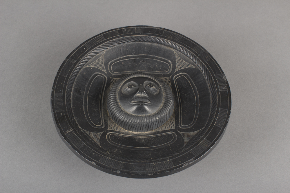 Haida%20artist%2C%20%3Cb%3E%3Ci%3E%20Bowl%3C%2Fi%3E%3C%2Fb%3E%2C%20ca.%201940%2C%20argillite%2C%20Gift%20of%20Mr.%20and%20Mrs.%20George%20W.%20Holmes%2C%20no%20known%20copyright%20restrictions%2C%2069.60