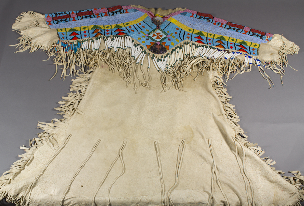 Yakama%20artist%2C%20%3Cb%3E%3Ci%3E%20Shimx%20%28Buckskin%20Dress%29%3C%2Fi%3E%3C%2Fb%3E%2C%20ca.%201910%2C%20K%26%238217%3Bpit-lima%20%28beadwork%29%20on%20Sk%26%238217%3Bimski%26%238217%3Bim%20%28thin%2C%20tanned%20hide%29%2C%20The%20Elizabeth%20Cole%20Butler%20Collection%2C%20no%20known%20copyright%20restrictions%2C%2090.38.2