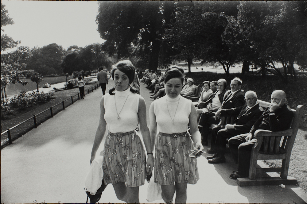 Garry%20Winogrand%2C%20%3Cb%3E%3Ci%3E%20Untitled%2C%20from%20the%20portfolio%20Women%20Are%20Beautiful%3C%2Fi%3E%3C%2Fb%3E%2C%201969%20%28negative%29%3B%201981%20%28print%29%2C%20gelatin%20silver%20print%2C%20Gift%20of%20Rick%20A.%20Cigel%2C%20%26%23169%3B%20The%20Estate%20of%20Garry%20Winogrand%2C%20courtesy%20Fraenkel%20Gallery%2C%20San%20Francisco%2C%201998.61.21