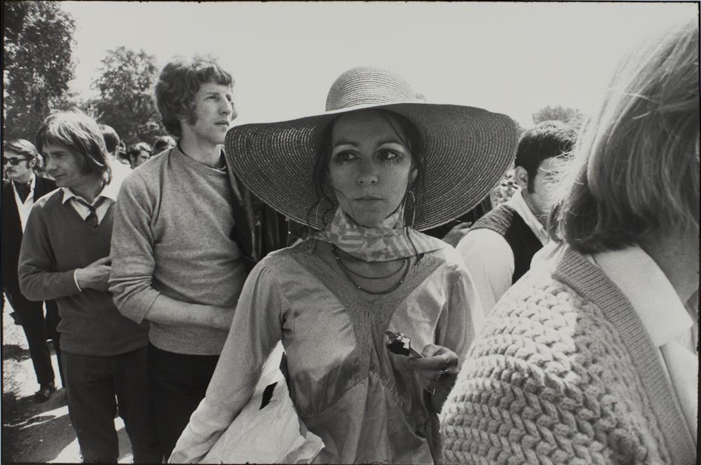 Garry%20Winogrand%2C%20%3Cb%3E%3Ci%3E%20Untitled%2C%20from%20the%20portfolio%20Women%20Are%20Beautiful%3C%2Fi%3E%3C%2Fb%3E%2C%20ca.%201970%20%28negative%29%3B%201981%20%28print%29%2C%20gelatin%20silver%20print%2C%20Gift%20of%20Rick%20A.%20Cigel%2C%20%26%23169%3B%20The%20Estate%20of%20Garry%20Winogrand%2C%20courtesy%20Fraenkel%20Gallery%2C%20San%20Francisco%2C%201998.61.54