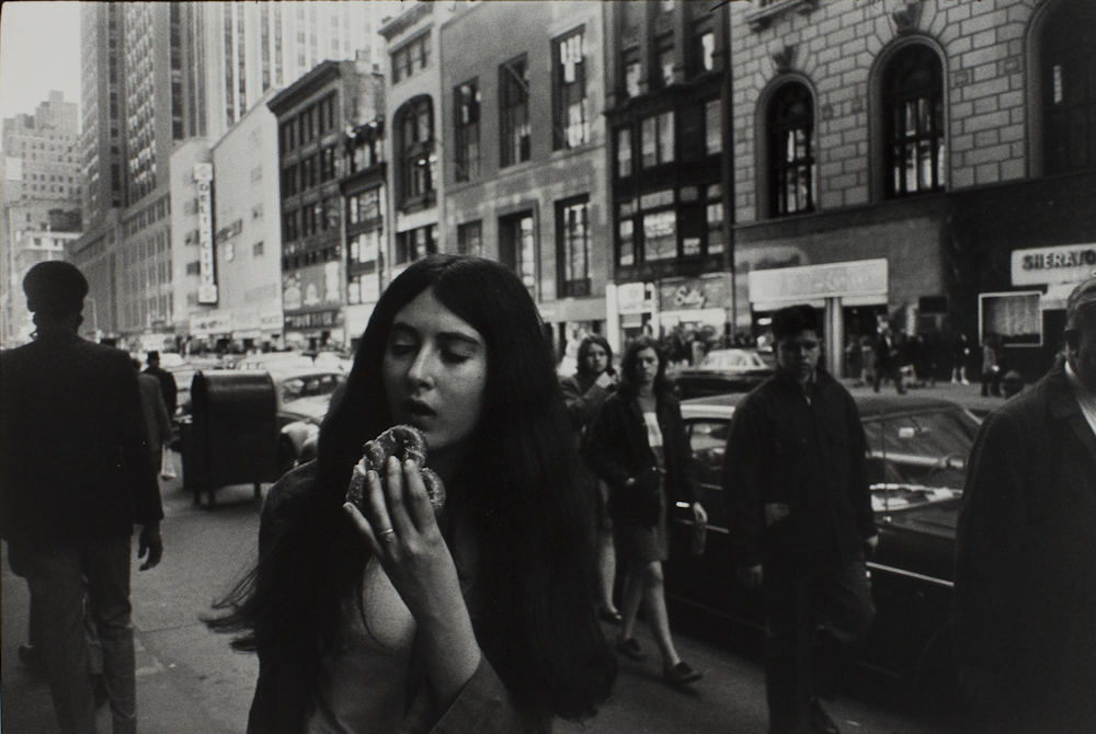 Garry%20Winogrand%2C%20%3Cb%3E%3Ci%3E%20New%20York%2C%20from%20the%20portfolio%20Women%20Are%20Beautiful%3C%2Fi%3E%3C%2Fb%3E%2C%201968%20%28negative%29%3B%201981%20%28print%29%2C%20gelatin%20silver%20print%2C%20Gift%20of%20Rick%20A.%20Cigel%2C%20%26%23169%3B%20The%20Estate%20of%20Garry%20Winogrand%2C%20courtesy%20Fraenkel%20Gallery%2C%20San%20Francisco%2C%201998.61.79