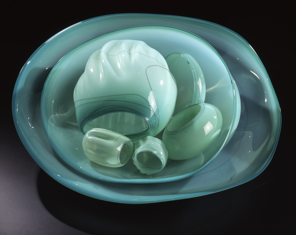 Dale%20Chihuly%2C%20%3Cb%3E%3Ci%3E%20Green%20Sea%20Basket%3C%2Fi%3E%3C%2Fb%3E%2C%201993%2C%20glass%2C%20Gift%20of%20Douglas%20and%20Lila%20Goodman%2C%20%26%23169%3B%201993%20Dale%20Chihuly%2C%202001.90.5