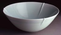 Fukami%20Sueharu%2C%20%3Cb%3E%3Ci%3E%20Ribbed%20Bowl%3C%2Fi%3E%3C%2Fb%3E%2C%202003%2C%20porcelain%20with%20pale%20bluish-white%20glaze%20%28seihakuji%29%2C%20Gift%20of%20Dr.%20and%20Mrs.%20Frederick%20Baekeland%20in%20honor%20of%20Donald%20and%20Mel%20Jenkins%2C%20%26%23169%3B%20Fukami%20Sueharu%2C%202008.18
