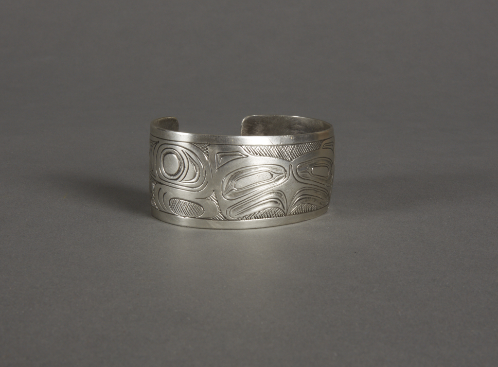Haida%20artist%2C%20%3Cb%3E%3Ci%3E%20Bracelet%3C%2Fi%3E%3C%2Fb%3E%2C%201910%2F1920%2C%20silver%2C%20The%20Elizabeth%20Cole%20Butler%20Collection%2C%20no%20known%20copyright%20restrictions%2C%202009.1.3