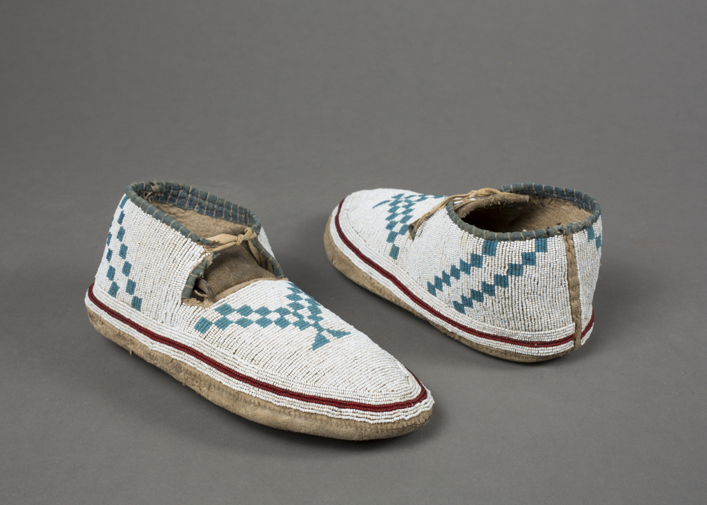 Assiniboin%20artist%2C%20%3Cb%3E%3Ci%3E%20Moccasins%3C%2Fi%3E%3C%2Fb%3E%2C%20ca.%201890%2C%20leather%2C%20rawhide%2C%20and%20glass%20beads%2C%20The%20Elizabeth%20Cole%20Butler%20Collection%2C%20no%20known%20copyright%20restrictions%2C%202009.1.27a%2Cb