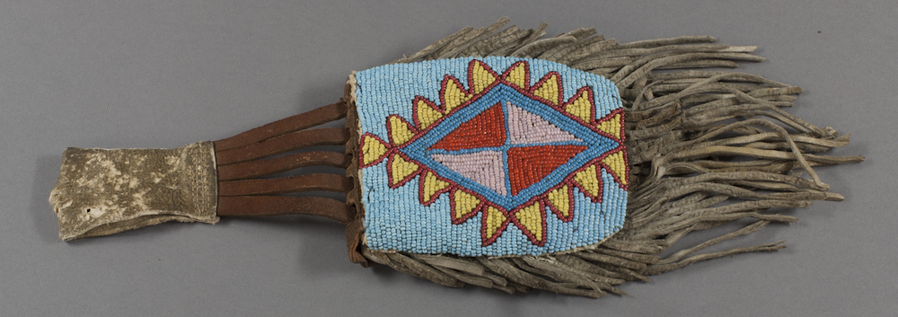 Plains%20artist%2C%20%3Cb%3E%3Ci%3E%20Beaded%20Belt%20Pouch%3C%2Fi%3E%3C%2Fb%3E%2C%20ca.%201940%2C%20glass%20beads%20on%20hide%2C%20The%20Elizabeth%20Cole%20Butler%20Collection%2C%20no%20known%20copyright%20restrictions%2C%202012.92.58