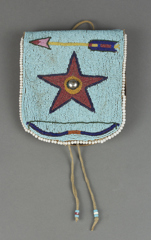 Santee%20Sioux%20artist%2C%20%3Cb%3E%3Ci%3E%20Beaded%20Belt%20Pouch%3C%2Fi%3E%3C%2Fb%3E%2C%20ca.%201900%2C%20leather%2C%20beads%2C%20metal%2C%20cotton%20thread%2C%20and%20fabric%2C%20The%20Elizabeth%20Cole%20Butler%20Collection%2C%20no%20known%20copyright%20restrictions%2C%202012.92.85
