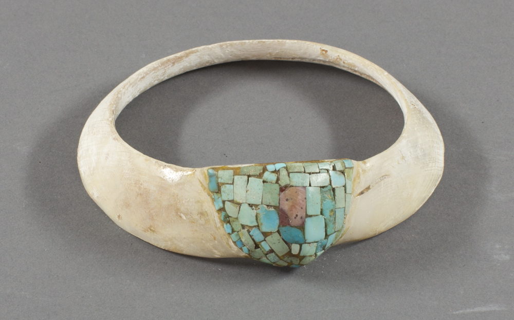 Hohokam%20artist%2C%20%3Cb%3E%3Ci%3E%20Bracelet%3C%2Fi%3E%3C%2Fb%3E%2C%20ca.%201850%2C%20turquoise%20and%20clamshell%2C%20The%20Elizabeth%20Cole%20Butler%20Collection%2C%20no%20known%20copyright%20restrictions%2C%202012.92.93