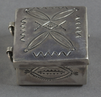 Navajo%20artist%2C%20%3Cb%3E%3Ci%3E%20Pillbox%3C%2Fi%3E%3C%2Fb%3E%2C%20ca.%201900%2C%20silver%2C%20The%20Elizabeth%20Cole%20Butler%20Collection%2C%20no%20known%20copyright%20restrictions%2C%202012.92.142