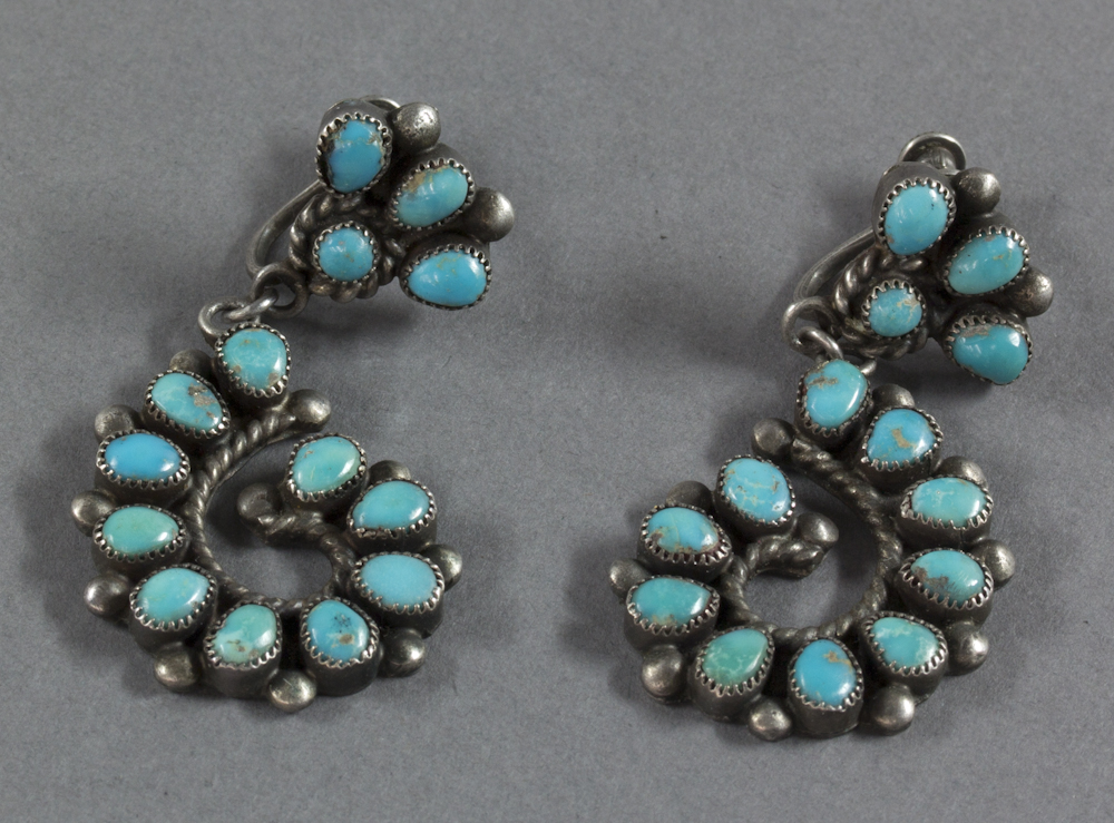 Zuni%20artist%2C%20%3Cb%3E%3Ci%3E%20Earrings%3C%2Fi%3E%3C%2Fb%3E%2C%20ca.%201930%2C%20silver%20and%20turquoise%2C%20The%20Elizabeth%20Cole%20Butler%20Collection%2C%20no%20known%20copyright%20restrictions%2C%202012.92.185a%2Cb