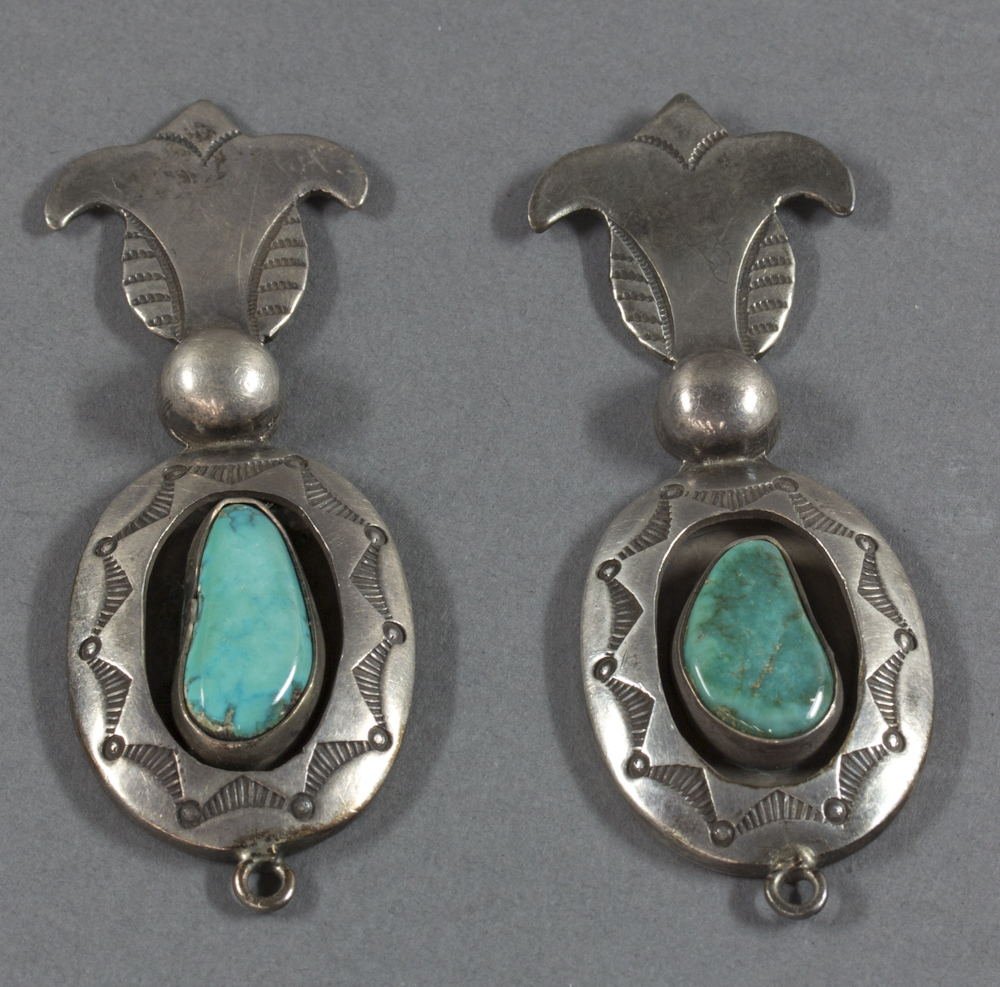 Navajo%20artist%2C%20%3Cb%3E%3Ci%3E%20Earrings%3C%2Fi%3E%3C%2Fb%3E%2C%20ca.%201930%2C%20silver%20and%20turquoise%2C%20The%20Elizabeth%20Cole%20Butler%20Collection%2C%20no%20known%20copyright%20restrictions%2C%202012.92.189a%2Cb