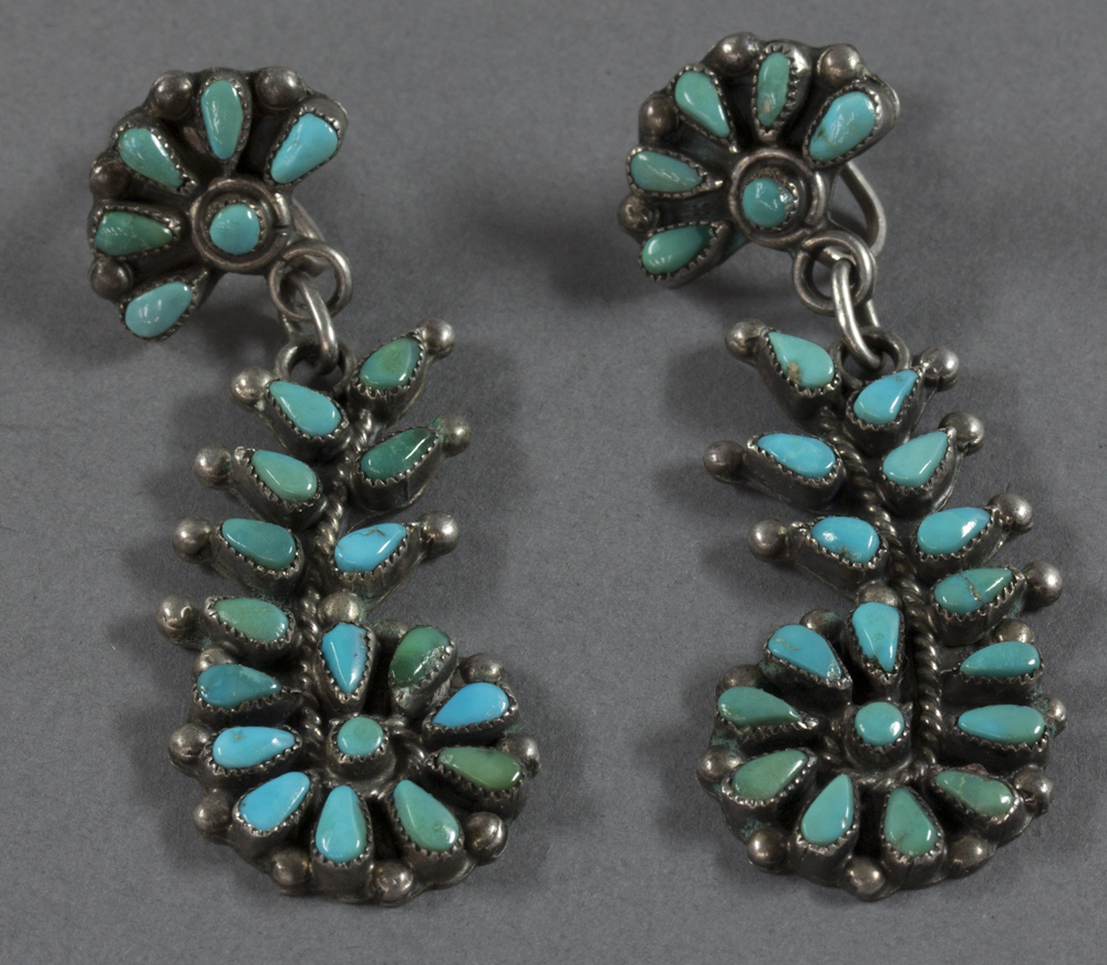 Zuni%20artist%2C%20%3Cb%3E%3Ci%3E%20Earrings%3C%2Fi%3E%3C%2Fb%3E%2C%20ca.%201950%2C%20silver%20and%20turquoise%2C%20The%20Elizabeth%20Cole%20Butler%20Collection%2C%20no%20known%20copyright%20restrictions%2C%202012.92.190a%2Cb