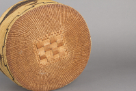 Nuu-chah-nulth%20artist%3B%20or%20Makah%20artist%2C%20%3Cb%3E%3Ci%3E%20Lidded%20Basket%3C%2Fi%3E%3C%2Fb%3E%2C%20ca.%201900%2C%20cedar%2C%20beargrass%2C%20and%20natural%20dye%2C%20The%20Elizabeth%20Cole%20Butler%20Collection%2C%20no%20known%20copyright%20restrictions%2C%202013.1.37a%2Cb