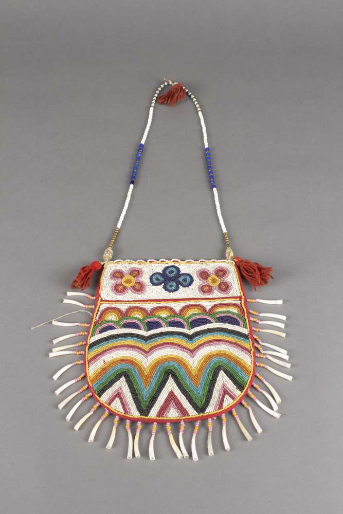 Athabaskan%20artist%2C%20%3Cb%3E%3Ci%3E%20Beaded%20Bag%3C%2Fi%3E%3C%2Fb%3E%2C%20ca.%201860%2C%20glass%20and%20metal%20beads%20on%20wool%20and%20hide%2C%20The%20Elizabeth%20Cole%20Butler%20Collection%2C%20no%20known%20copyright%20restrictions%2C%202013.1.68